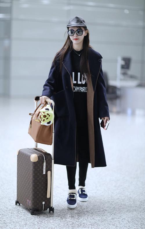 美翻冬季 唐嫣最新街拍私服 同款衣服包包看点图片