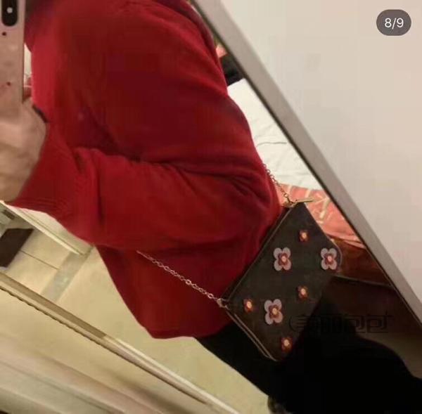 lv推出POCHETTE DOUBLE ZIP 2019春夏新款,精致立体花朵包包,让你做一个精致小女人