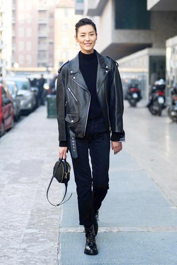 刘雯最近怎么穿 都背哪些新款包包