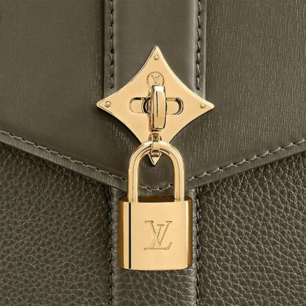 lv推出新款ROSE DES VENTS手提包 究竟有多高级?