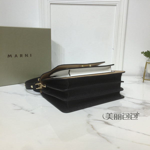 Marni Trunk风琴包怎么选?有哪些搭法?