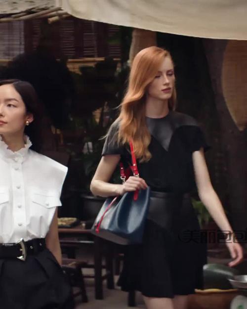孙菲菲与妖孽男模手提lv包 演绎lv 2019越南旅行大片