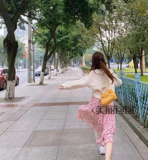 除了传闻中的陈芊芊 赵思露的街拍包包我也想追