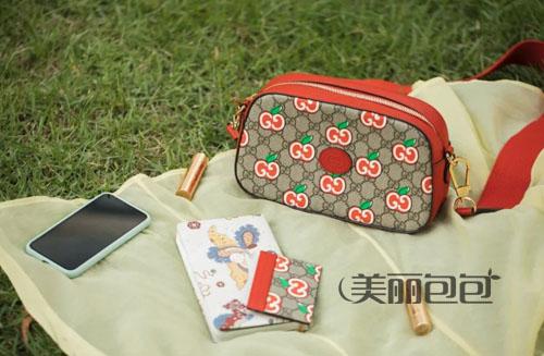 苹果送给心上人 古驰七夕限定包包开箱评测