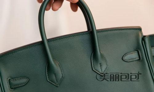 在秋天的衬托下 我想有一只绿色的爱马仕包包点缀