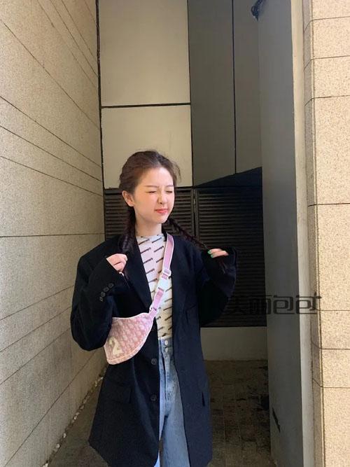 中国女团街拍合辑 吴宣仪杨超越都爱背哪些品牌的包包?