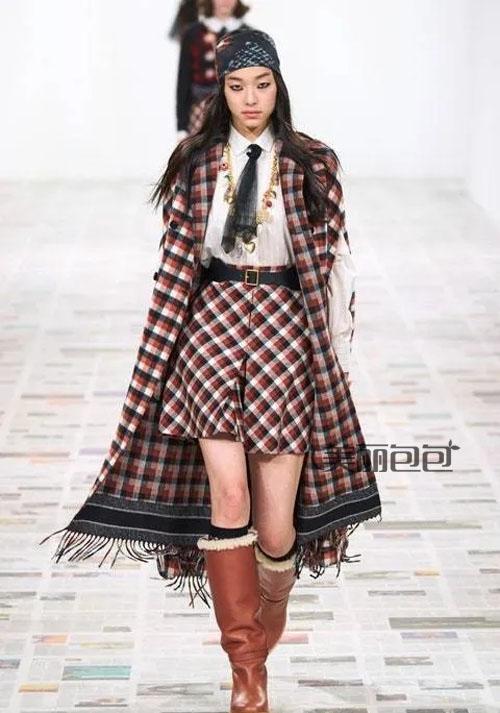 dior2020秋冬新款女包上线 天鹅绒材质成亮点