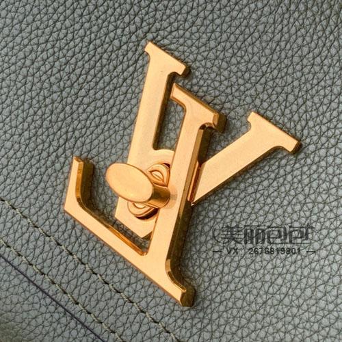 lv大锁扣包你喜欢吗?新款LOCKME CHAIN系列开箱评测