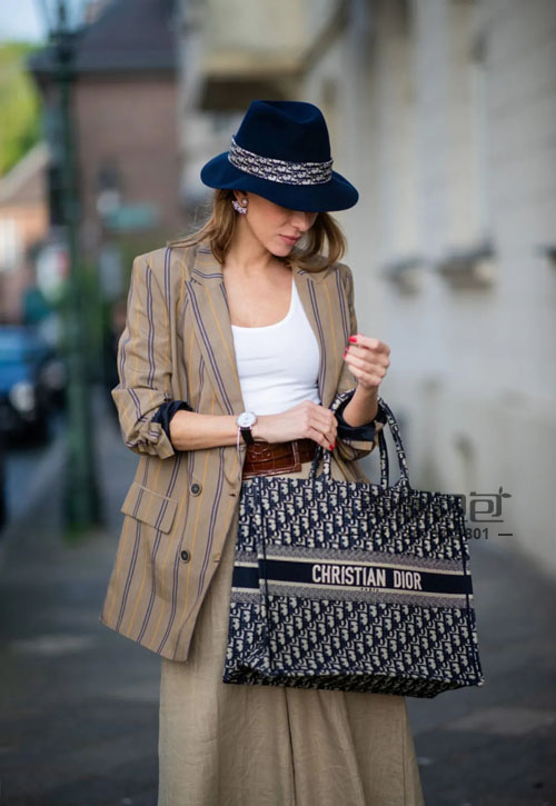 lv 迪奥 思琳 巴宝莉new tote包评选  哪些款式更香?