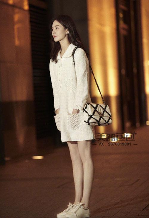 刘诗诗的2021早春度假系列香奈儿19包 勾花菱格纹真亮!