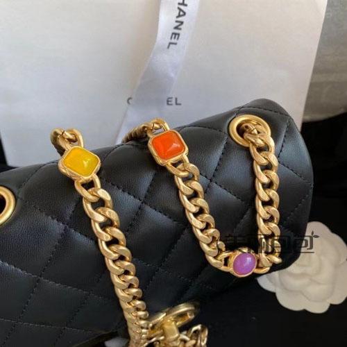 香女郎刘诗诗的时尚新宠 香奈儿宝石链条包还有迷你方胖子