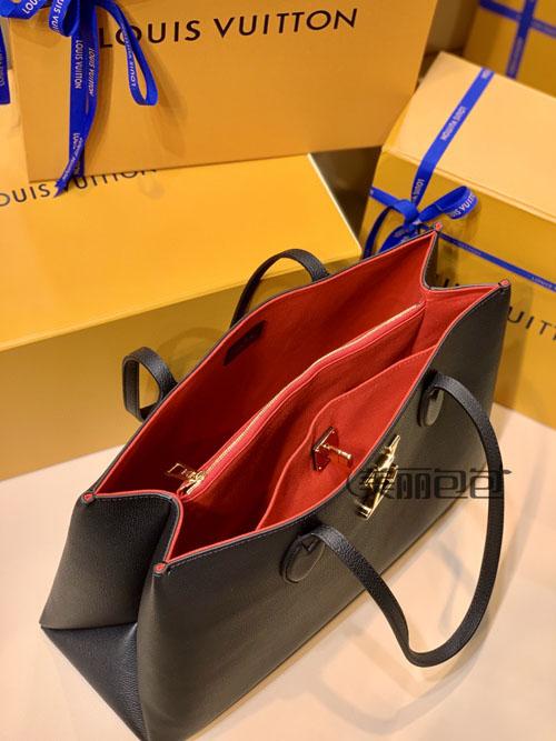 原来lv lockme系列出了三款tote包 你喜欢哪个?