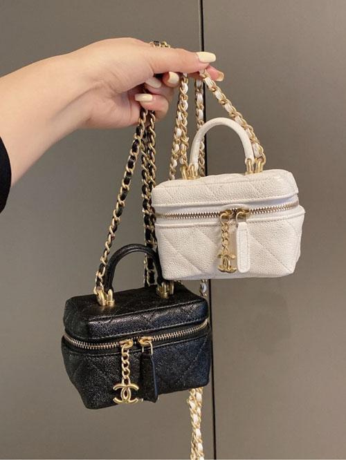 香奈儿走秀款 超迷你化妆盒子包 有哪些颜色?
