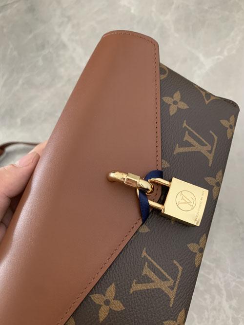 lv新款女包评测 padlock on strap锁扣包怎么样?