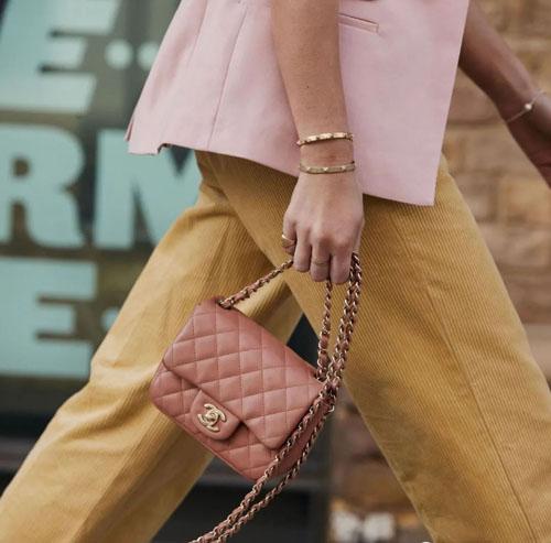 10款奢侈大牌经典链条包 不同身高搭配评测