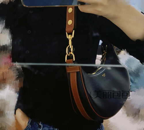 赛琳推出新版全皮celine ava弯月腋下包 最新评测