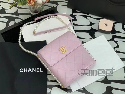女孩子就是喜欢粉色的包包 还需要理由吗?
