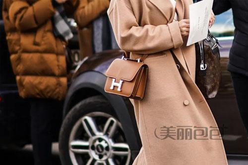 秋冬季来了 这些棕色包包百搭又高级