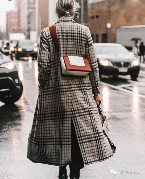原来这些大牌爆款包 都是出自这个女人的设计