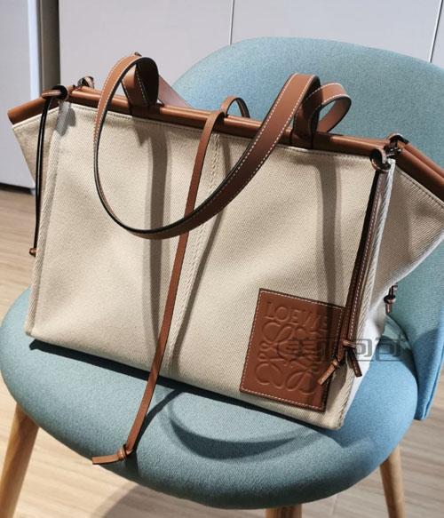 loewe cushion tote系列帆布包评测 有哪些款式?