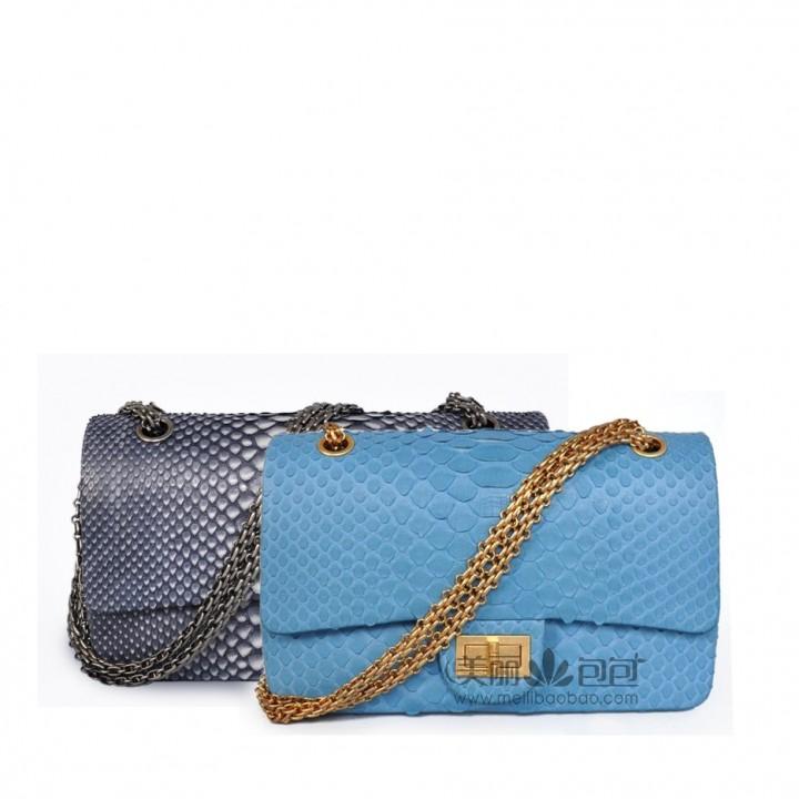 爱马仕猪鼻子包都有哪些颜色,最昴贵的限量版香奈儿包包有什么特色之处呢