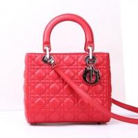 十分洋气的大红色羊皮lady dior迪奥戴妃包99002
