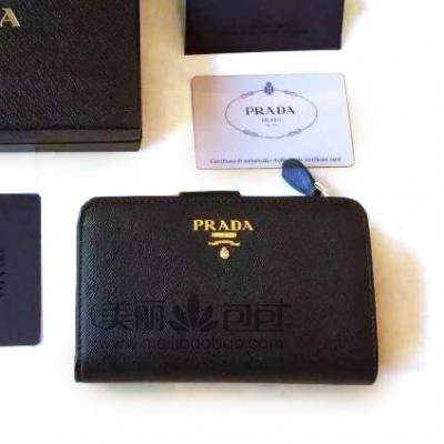 普拉达最新短款搭扣钱包 原版十字纹牛皮配黄铜五金