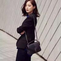 韩明星同款YSL邮差包 MONOGRAM最新款 小羊皮时尚V斜纹女包392737