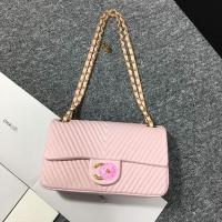 粉色胎牛皮+深V斜纹 2016春夏最靓小香链条包A01112
