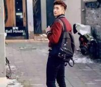明星网红同款YSL背包 中性风格圣罗兰徽章版黑色帆布双肩包