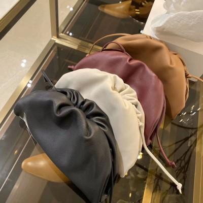 the pouch迷你云朵包颜色大全 bv手包款式图片与价格