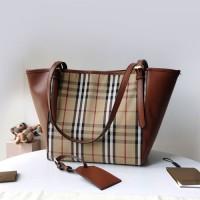 巴宝莉变形tote包图片价格 英伦风经典格纹帆布女士手袋