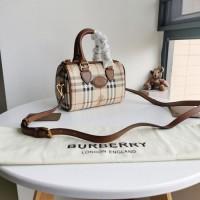巴宝莉中古波士顿包 格纹帆布迷你枕头包图片与价格