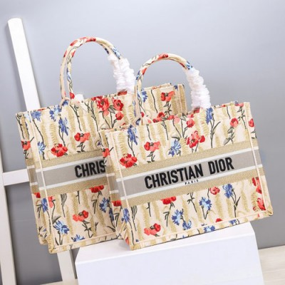 dior book tote迪奥爆款刺绣购物袋 颜色尺寸花纹款式合辑